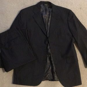 Other - Like New Men's 40R Grey Pinstriped Suit